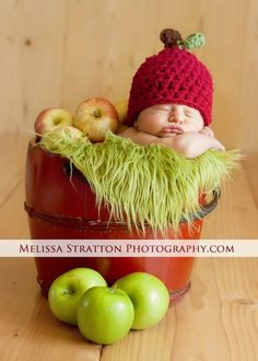 Baby Apple hat Newborn SALE Crochet Red Green Fall Boy Girl 6-12 3-6 12-24 mos toddler Photo Studio Prop Photography Hats Beanie on Etsy, $9.00