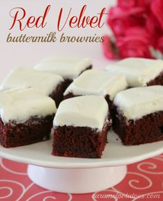 Red Velvet Buttermilk Brownies with Cream Cheese Frosting-enough said. 'Cause G loves red velvet. Buttermilk Brownies, Cream Cheese Brownies, Cream Cheese Frosting, Köstliche Desserts, Delicious Desserts, Dessert Recipes, Yummy Food, Icing Recipes, Yummy Yummy