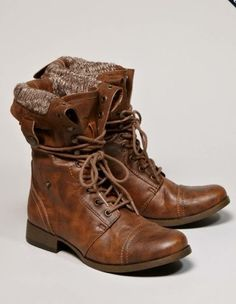 some brown, lace-up, fold-over boots. Women's Shoes, Mode Shoes, Me Too Shoes, Shoe Boots, Ankle Boots, Moto Boots, Uggs For Cheap, Ugg Boots Cheap, Buy Cheap