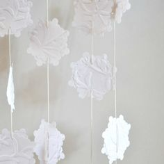 Embossed White Snowflakes Paper Garland