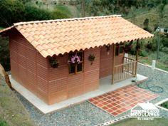 Casas prefabricadas un nivel Bamboo House Design, Kerala House Design, Small House Design, Home Building Design, Home Design Plans, Building A House, Brick House Designs, Mud House, Kerala Houses