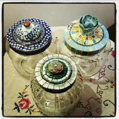 צנצנות מעוצבות, shaped jars by anat simons Mosaic Art, Mosaics, Altered Bottles, Mosaic Designs, Jars, My Arts, Shapes, Pots, Mosaic