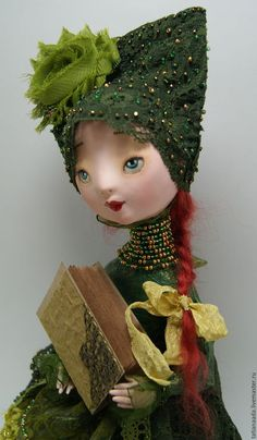 Купить куклу Ангела.Куклы Татьяны Адаменко.Татьяна Адаменко.Кукла в зеленом костюме.Ангел в зеленом.Ангел девочка.Ангел на скамеечке.Ангел с книгой.Кукла талисман.Кукла оберег. Сидящая кукла.