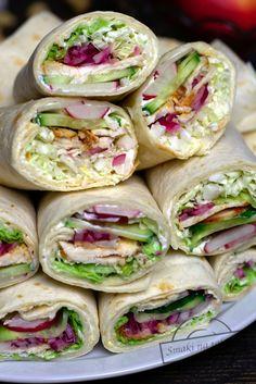 Tortille z kurczakiem i warzywami – Smaki na talerzu B Food, Love Food, Healthy Cooking, Cooking Recipes, Healthy Recipes, Helathy Food, Snacks Für Party, Food Preparation, Relleno