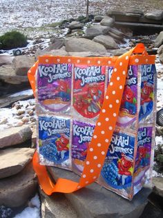 I made a zillion bags similar to these before, sadly, my babies outgrew juice pouches and my supply chain ran dry!