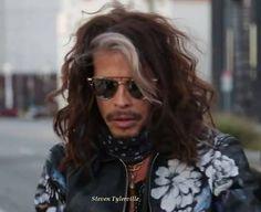 Steven Tyler Aerosmith, Hot Guys, Sunglasses Women, I Am Awesome, Long Hair Styles, Celebrities, Sexy, Rock Stars, Beauty