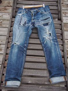 This week's Fade Friday features a pair of completely destroyed Nudie Thin Finn jeans with 5 years of wear and only 3 washes. Nudie Jeans, Ripped Jeans, Men's Jeans, Blue Jeans, Unisex Fashion, Denim Fashion, Edwin Jeans, Denim Trends, Raw Denim