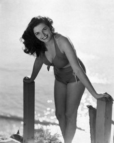 Jane Russell. Old Hollywood Stars, Golden Age Of Hollywood, Vintage Hollywood, Classic Hollywood, Jane Russell, Female Actresses, Actors & Actresses, Yvonne De Carlo, Cinema Tv