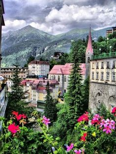 Orta Avrupa'nın en fazla ormana sahip ülkesi Avusturya'dan nefes kesen bir görüntü! Bu görüntüyü takipçilerimiz ile paylaşmadan edemedik!