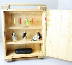s 10 easy storage upgrades for people who aren t power tool pros, storage ideas, tools, Add Hooks to a Crate for This Key Holder