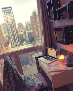 Stephanie | 🍋Citrus & Sun☀️ (@stephanie_eiler) • Instagram photos and videos #cityapartment #apartmenttherapy #chicagoapartment #workspace #homeoffice #cozyspace #cozyhome #apartment #cityapartmentdecor #ikea #cityview #homedecor