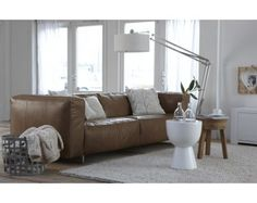 Beautifull leather sofa- bank Sunflower www. Sunflower House, Home And Living, Living Room, Van Home, May Flowers, Leather Sofa, Interior Inspiration, Sweet Home, Couch