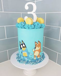 Bluey 💛💙🧡 Made my own little sprinkle mix for this one! Abc Birthday Parties, Abc Party, Boys 1st Birthday Party Ideas, Leo Birthday, Themed Birthday Cakes, Birthday Wishes, Bingo Cake, Cake Hacks, Party Cakes