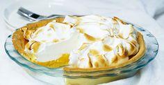 A crispy base, tangy citrus centre and fluffy meringue top makes this a pie to die for. Pudding Desserts, Custard Desserts, Köstliche Desserts, Delicious Desserts, Dessert Recipes, Lemon Filling, Lemon Meringue Pie, Chocolate Cherry, Salted Butter