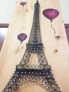 Cadena de arte torre de Eiffel con globos por Anitasstring en Etsy