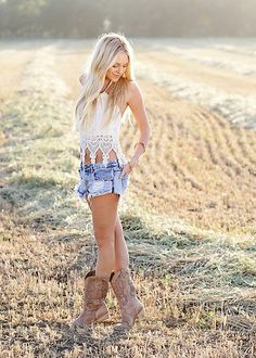 pbr outfit for women summer pbr outfit for women ; pbr outfit for women winter ; pbr outfit for women plus size ; pbr outfit for women summer Mode Country, Country Girl Style, Country Fashion, Country Girls, Country Style Clothes, Country Women, Country Life, Country Girl Hair, Country Girl Pictures