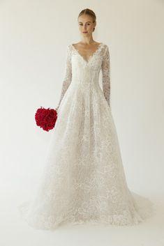 Oscar de la Renta Bridal Fall 2015 [Photo by George Chinsee]