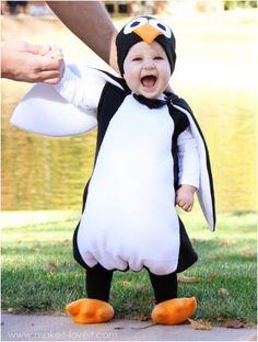 Penguin Costume Carnaval or Halloween Diy Penguin Costume, Animal Halloween Costumes, Halloween Kids, Pinguin Costume, Halloween Clothes, Homemade Halloween, Creepy Halloween, Halloween Crafts, Diy Baby Costumes