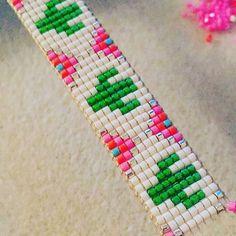 off loom beading stitches Bead Loom Bracelets, Beaded Bracelet Patterns, Bead Loom Patterns, Woven Bracelets, Beading Patterns, Pulseras Kandi, Tear, Pony Beads, Loom Beading