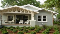 69 Trendy Exterior House Colors Green Bungalows Craftsman Style Homes Craftsman Exterior, Craftsman Style Homes, Craftsman Bungalows, Craftsman Kitchen, Stucco Exterior, Beach Bungalow Exterior, Florida Homes Exterior, Bungalow Porch, Craftsman Porch