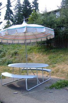 Cool Retro 50s Aluminum Patio Umbrella Back Yard