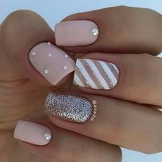 There are three kinds of fake nails which all come from the family of plastics. Acrylic nails are a liquid and powder mix. They are mixed in front of you and then they are brushed onto your nails and shaped. These nails are air dried. Stylish Nails, Trendy Nails, Cute Nails, My Nails, Elegant Nails, Work Nails, Best Acrylic Nails, Acrylic Nail Designs, Acrylic Spring Nails