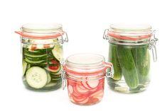 Pickles, Cucumber, Mason Jars, Vegetables, Food, Essen, Mason Jar, Vegetable Recipes, Meals