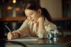 Suzy Bae (배수지) For Carin Fall Collection 2018 Bae Suzy, Story Planning, Hand Pose, Vlog Squad, Korean Model, Study Motivation, Fall Looks, K Idols, Korean Actors