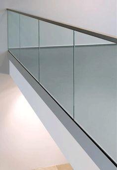 SERENUS - kokolasikaide - tolpatonlasikaide - lasikaide Stair Railing, Stairs, Mirror, Glass, House, Furniture, Home Decor, Outer Space, Stairway