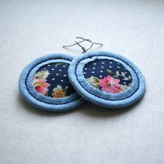 Modré květované... textilní náušnice