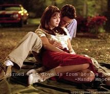 Mandy Moore and Shane West as Jamie and Landon from Nicholas Spark's 'A Walk To Remeber' Shane West, Remember Movie, Walk To Remember, Hugh Grant, Movie Couples, Cute Couples, Love Movie, Movie Tv, Dramas