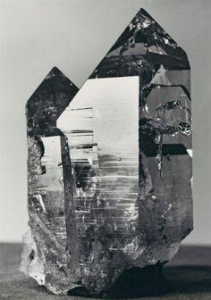 Albert Renger-Patzsch, Quarz, Probably 1923, Auction 996 Photography, Lot 30 #rengerpatzsch #lempertz #blackandwhite #photographie
