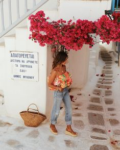 Exploring Mykonos with Soludos – Sincerely Jules, SPRİNG OUTFİTS, Exploring Mykonos with Soludos – Sincerely Jules. Song Of Style, Boho Fashion, Autumn Fashion, Fashion Dresses, Fashion Tips, Jeans Fashion, Jean Large, Estilo Boho Chic, Bon Look