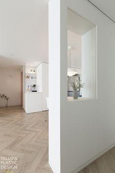 분당 샛별마을 우방 31평 아파트 인테리어_분당에서 스톡홀름 느끼기 : 네이버 블로그 Bathroom Lighting, Corridor, Living Room, Mirror, Interior, House, Furniture, Home Decor, Bathroom Light Fittings