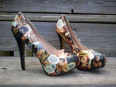 I want these so bad! Etsy listing at http://www.etsy.com/listing/154746097/rocky-horror-picture-show-comic-book