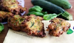 Frittelle di zucchine ricetta Tandoori Chicken, Meat, Ethnic Recipes, Food, Recipes, Eten, Meals, Diet