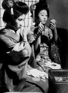 Getting Ready for a Performance, 1930s. S) http://firsttimeuser.tumblr.com/post/31395688736/getting-ready-for-a-performance-1930s