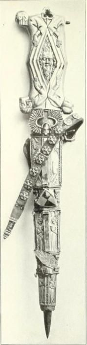 Dagger handle and dagger sheath, with arches and bands of rosettes; France, 1st half of the 14th century (ivory) and Germany, 2nd half of 14th century (metal mount).