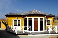 casa de madera 68m2 Victoria por 36mil, la de paredes de 44mm, la más baja. Incluido en los precios IVA, Montaje, Electricidad y Fontaneria con sanitarios