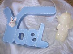 Letrero infantil azul.