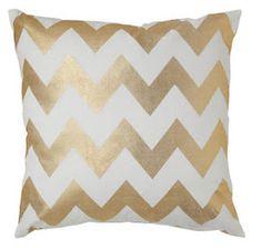 Faux Leather Metallic Gold Chevron Pillow DIY...........ERFECT 4 MY BED! MUARP