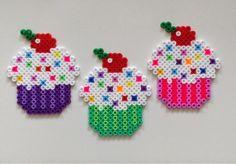 filihunkat Perler Bead Templates, Diy Perler Beads, Pearler Bead Patterns, Perler Bead Art, Perler Patterns, Hama Cupcake, Do It Yourself Inspiration, Hama Beads Design, Peler Beads