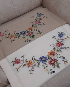 Cross Stitch Cushion, Crochet Bedspread, Embroidery, Creative, Crafts, Mavis, Istanbul, Embroidered Towels, Cross Stitch Embroidery
