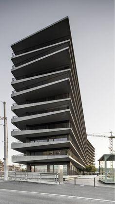 G10. Lacroix-Chessex > Students #appartementen #gevel #volume #terrassen #balkons #horizontaal #borstwering #gaanderij  #zwembad