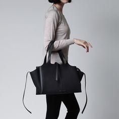Celine CELINE shoulder bag Tri-Fold Medium/ try fold LEATHER Black black system 17888 3aik 38no Lady's