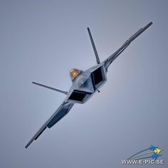 USAF F22 Raptor. Beautiful bird!