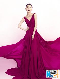 Chinese actress Jia Qing http://www.chinaentertainmentnews.com/2015/06/jia-qing-poses-for-fashion-magazine.html