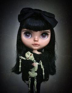Please read before buying Custom Blythe doll. por Tiinacustoms