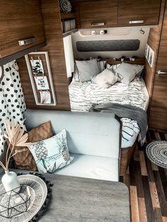 Caravan Home, Caravan Decor, Retro Caravan, Trailer Decor, Camper Caravan, Travel Camper, Travel Trailer Camping, Caravan Makeover, Caravan Renovation