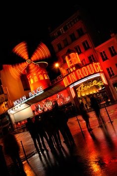 The Moulin Rouge. Been there. Seen that. Oh, my!